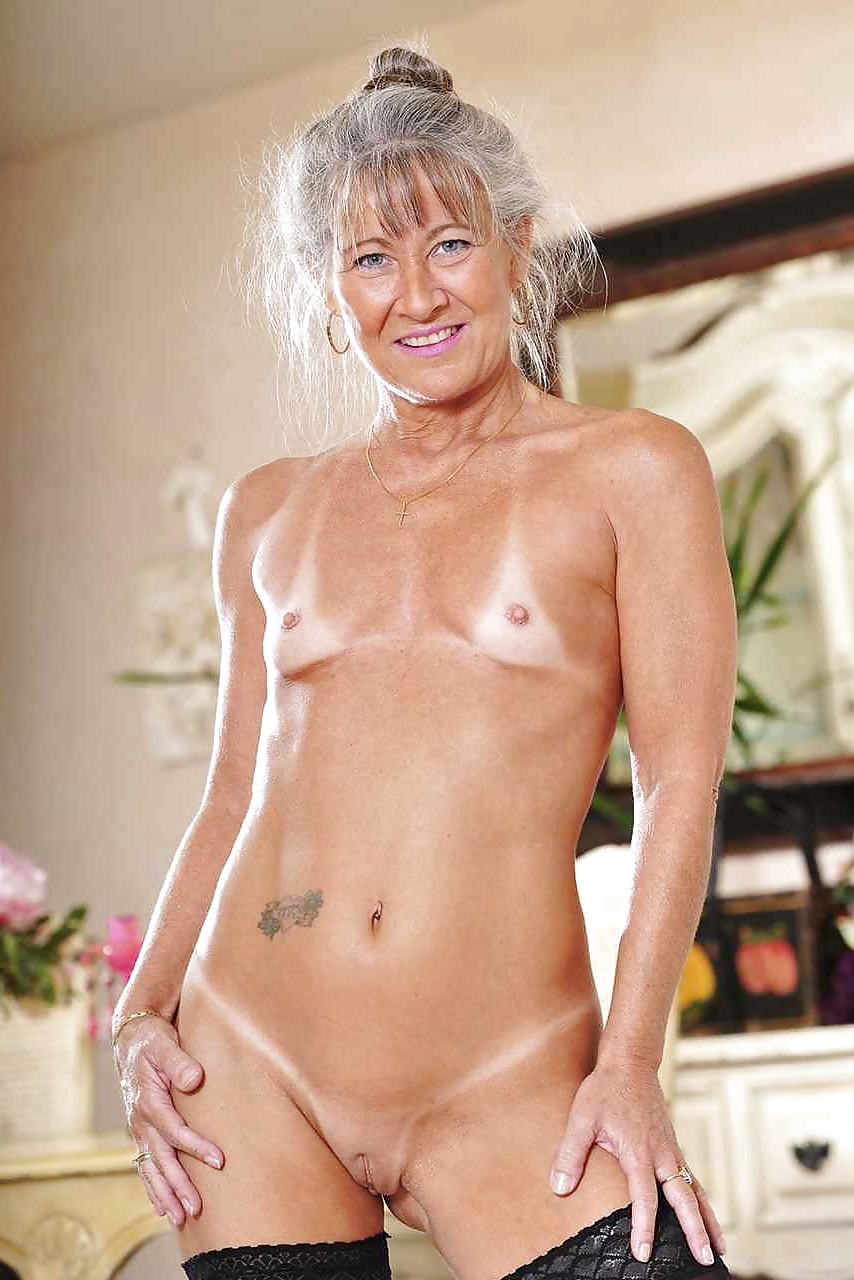 housewives submitted naked free pics